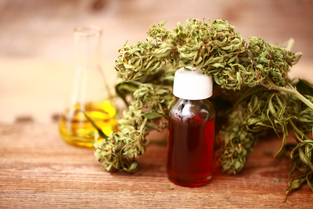 E:\Hemp oil new orders 50\new articles\images 1\hemp-derived-cbd-oil.jpg