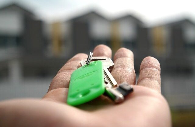 4 Useful Tips for First-Time Home Buyers